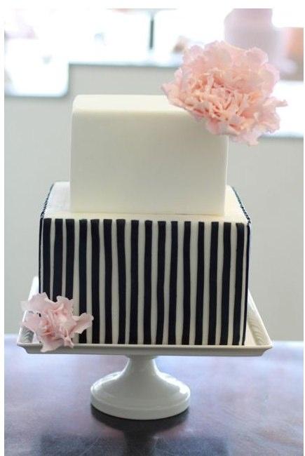 pinstripe and peony cake - heart