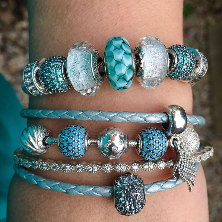 Inspired by the warm sun and the October wind, feeling like late summer! #theofficialpandora #officialpandora #myarmparty #armstack #pandoraaddict #teal #white #summerinoctober #starfish #majestic #feather #pandorabracelets #essence #wisdom #joy #lovingthisday #uniqueasyouare @theofficialpandora