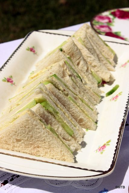 Cucumber Sandwiches at a High Tea Picnic #hightea #picnicsandwich