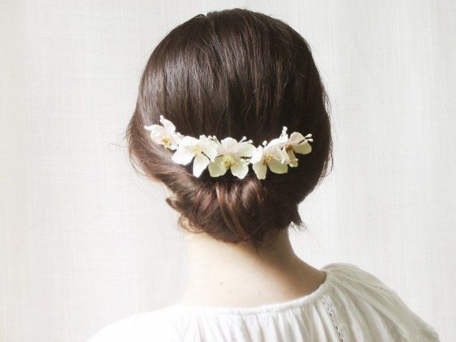 Wedding Updo Bridal Hairstyle :: Bridal Flower Comb from Noon on the Moon :: Caroline Tran photography