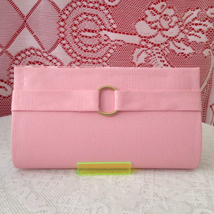 Bolsa De Mão Rosa Pink : Melhores ideias de clutch rosa no