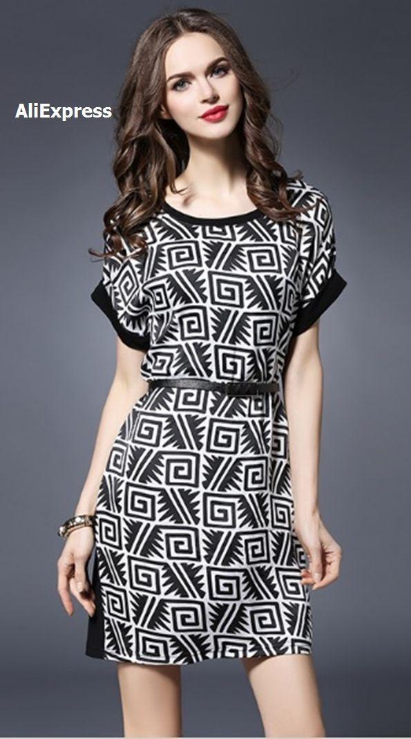 Vestido manga quimono estampado geométrico con ribetes en negro