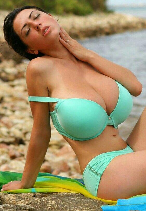 Merilyn Sakova - jade green smooth-bra