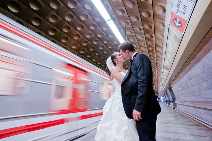 Honeymoon in Prague, Julia