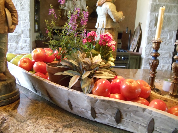 kitchen centerpiece would be good with herbs and produce - Kitchen Centerpiece Ideas