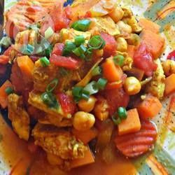 Ik maak dit Marokkaanse recept al jaren. Het is lekker, maar ook erg makkelijk om te maken. Het zal je niet verbazen dat dit gerecht gelijk een traditie werd in ons huishouden.