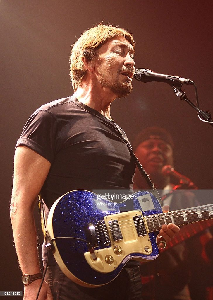 Chris Rea Performs At The Olympia Theatre Pictures