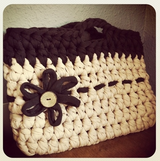 T-Shirt yarn bag by Delimalimon Craft