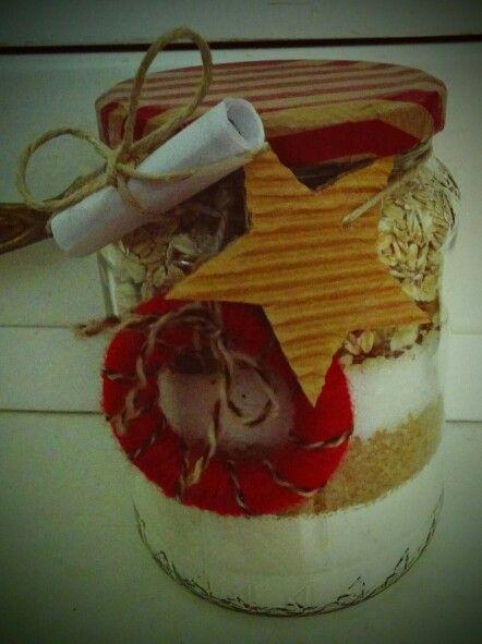 Biscotti in vaso: riciclo, no spreco, regalo utile e fatto a mano...per un Natale con un valore aggiunto