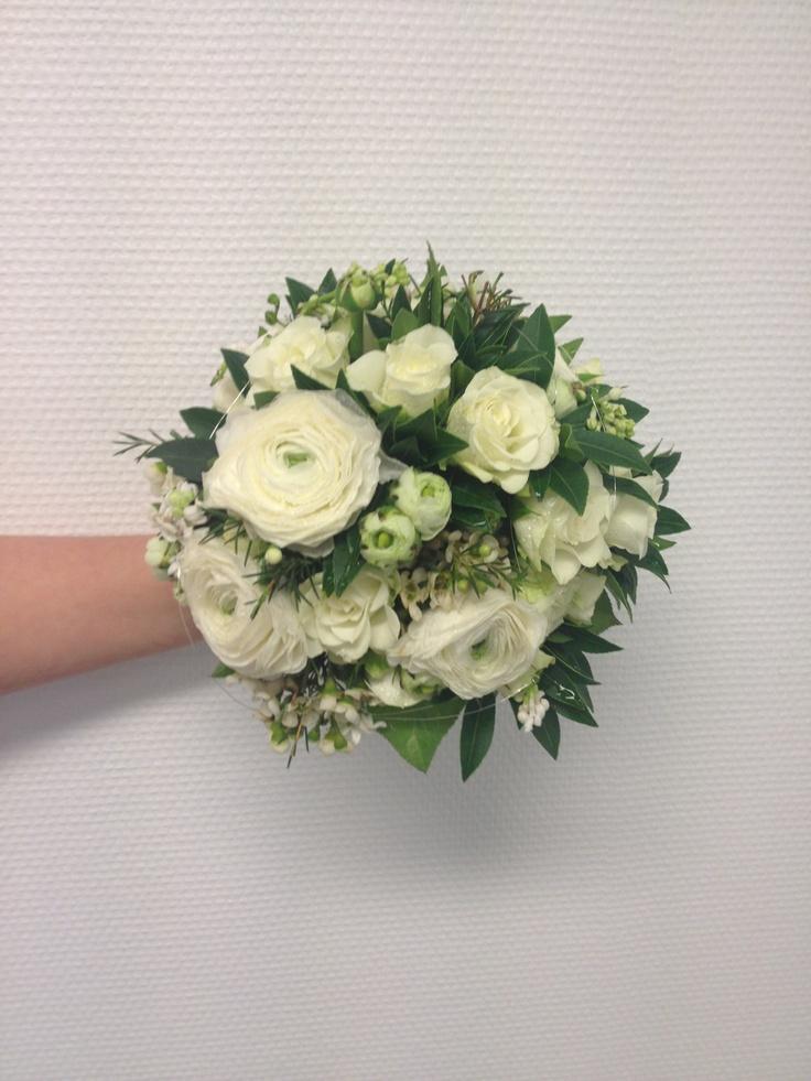 Klassisk brudebukett i hvitt