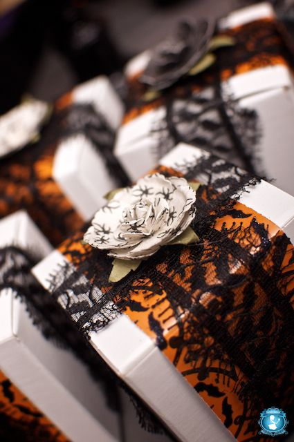 cute idea, do not see much Halloween gift wrapped packages