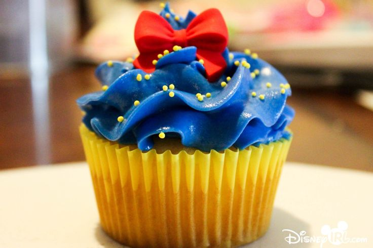 Disney IRL | Disney Princess Inspired Cupcakes