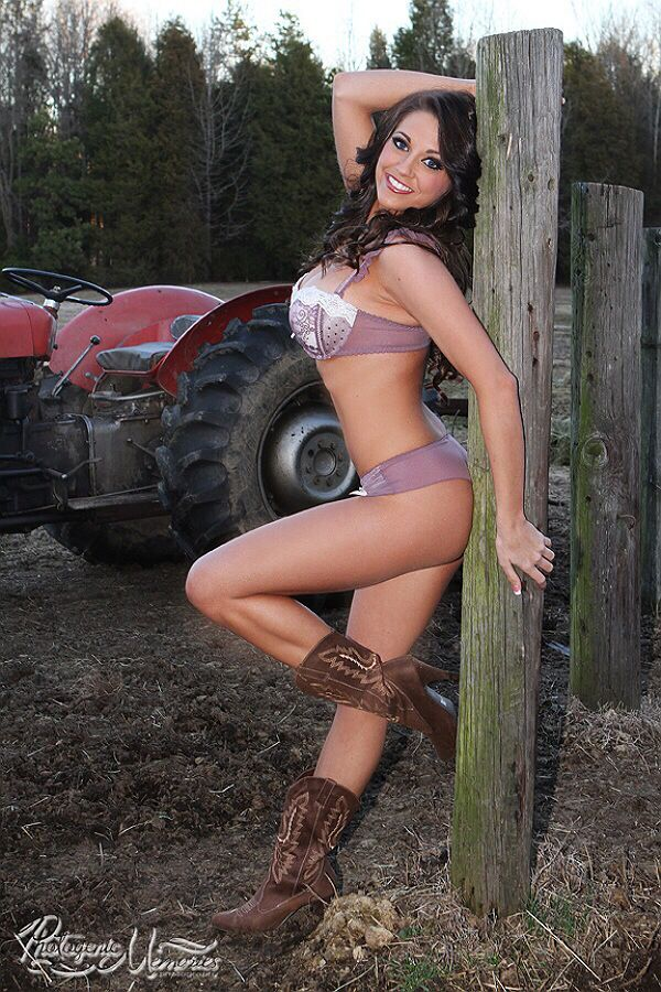 hot cowgirls on trators