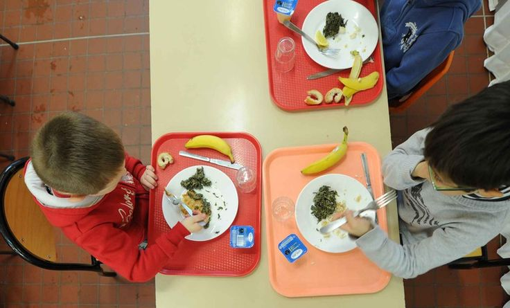 Debout la France œuvre pour la qualité et la sécurité alimentaire dans la restauration municipale