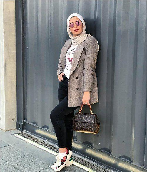 de75368d67072 grey blazer with hijab-Hijab trends 2018 – Just Trendy Girls