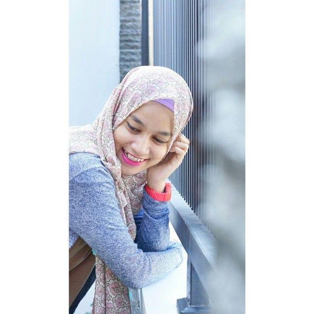 #hijabinspired #hijabstyle #STYYLI #hijabfashion #personalstyle #fashionhijab #fashion #style #stylehijab #modestfashion #modeststreetfashion #hijablook #ootd #hijab #outfit #blogger #fashionstyle #fashionstylist #hijabootd #MyHijup #mystyle #myhijab #streetstyle #instafashion #instahijab #likeforlike #hijabist #hijabista #hijabmodis #hijabdaily #gytaregi