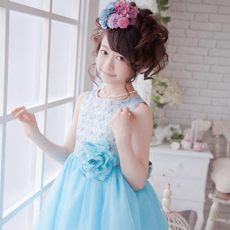 金色の糸が織り込まれたジャガード生地の身頃は華やかで高級感があります  #子供#子ども#子供ドレス#ドレス#ピアノ発表会 #発表会#ピアノコンクール#ピアノ#バイオリン#チェロ#フルート#ピアノ教室#ピアノドレス#可愛い#女の子#女の子ママ#instagram #cute