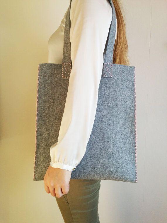 Tote bag, grey felt with pink cotton thread, modern design by #SweetAndMellow #Bag #Handmade #Felt