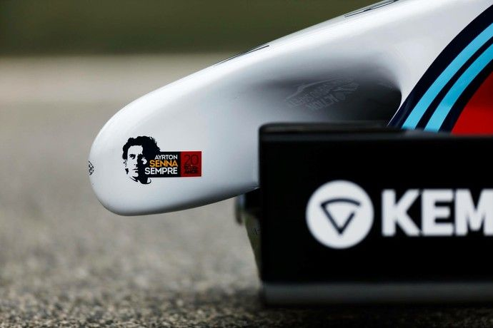 Logo de Ayrton Senna Sempre no bico da Williams FW36 (Foto: Divulgação)
