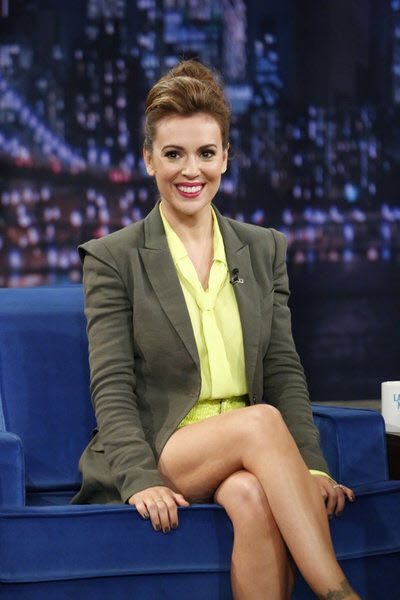 Alyssa Milano talks sportswear and Mistresses on Late Night with Jimmy Fallon