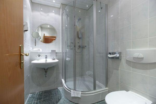 Small Shower Ideas Small Bathroom Designs Corner Shower Cabin Sliding Doors Wall Mirror Modern Bathroom Design Bathroom Design Corner Shower Small