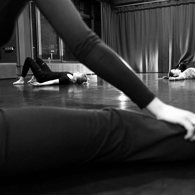 #contemporarydance 📷 @bart.krezolek #kcc #krakow #training #dance #art #workhard #taniec #encek #kulturakrk #krakowskakultura #dowhatyoulove #domoreofwhatmakesyouhappy #enjoy #begood #body #workout