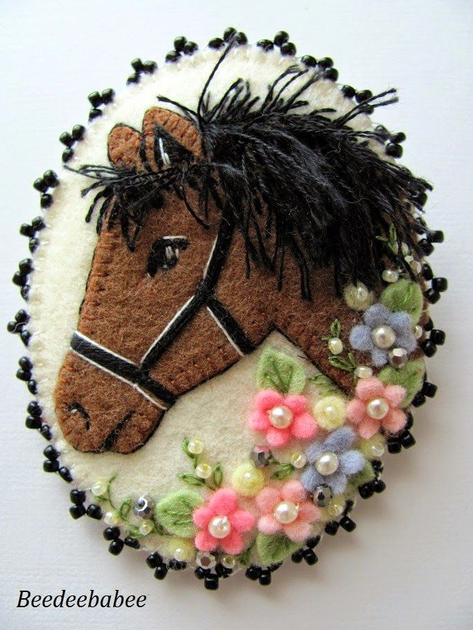 Felt horse pin. Incredible stitching detail - just beautiful!