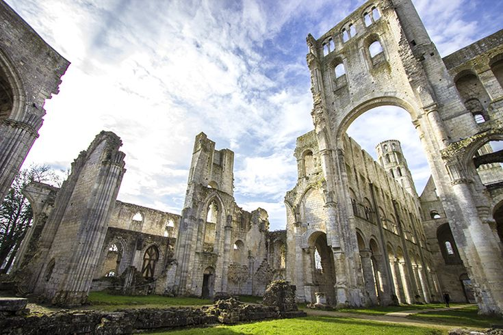 Jumieges abbey ruins 8