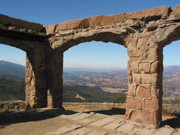 Knapp's Castle is a magical spot in Santa Barbara County.  It's an easy hike, easy to get to, and kids like it! You'll find it after a short drive along East Camino Cielo.