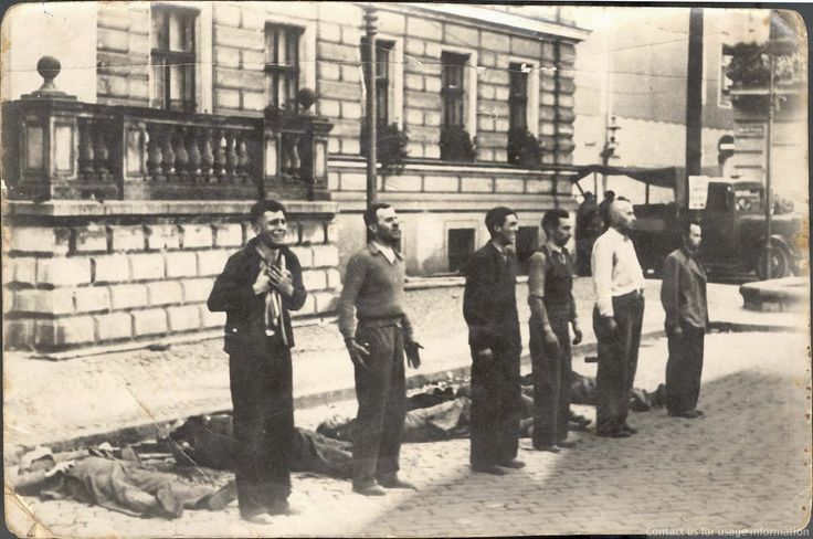 Facing the Death: the different expressions of six Polish civilians moments before death by firing squad, 1939