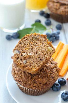 zdravé celozrnné muffiny (s mrkví, jablky, ořechy a rozinkami)