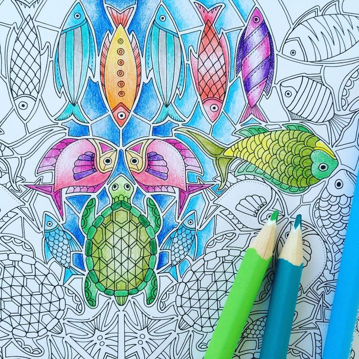 """Johanna Basford op Instagram: """"#LostOcean - a new wave of detail! (I'm sorry, I just can't resist an ocean themed pun!). I've posted a new blog on my website about some of the more detailed images in Lost Ocean with some tips on how to tackle this new colouring experience. This is my colouring pencil efforts over the weekend! Www.johannabasford.com/blog #johannabasford #coloring #colouring"""""""