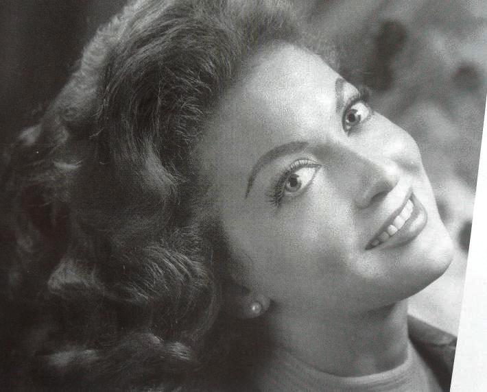 Maricruz Olivier, actriz mexicana, nacida en 1935, hizo cine, tv. y teatro.