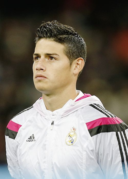 This is a cool hair style that I want! I think it looks good and is a very nice style for a soccer player like me.