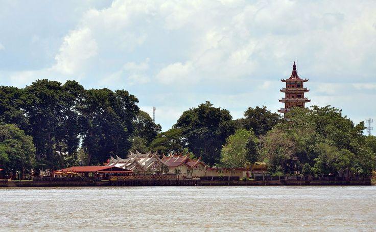 Seputaran Palembang : Pulau Kemaro dan legendanya