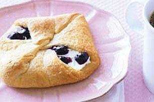 Blueberry-Cheese Rolls recipe   #kraftrecipes