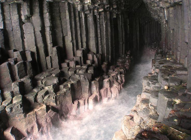 フィンガルの洞窟 スコットランド