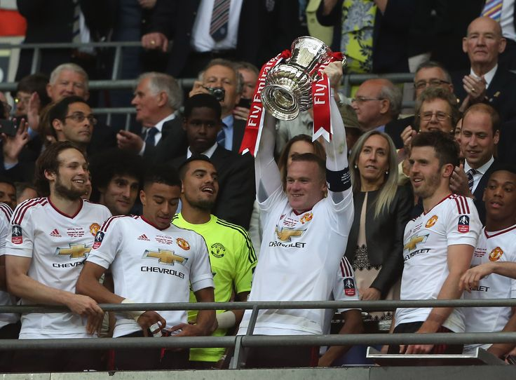 Wayne Rooney lifts the FA Cup for @manutd in May 2016!