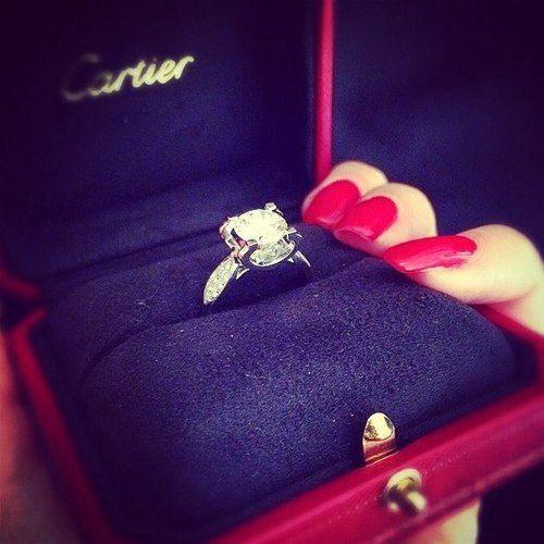 ring, nails,