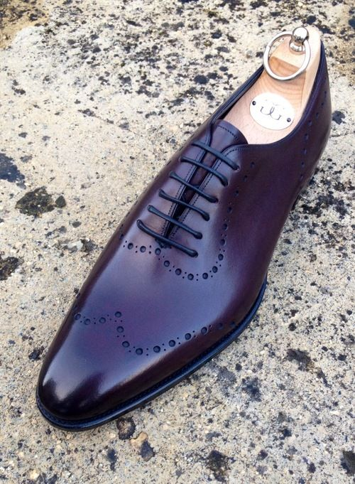 NEW style. the Bramhall, In vintage Rioja on the DG70 last. a cool and contemporary  style available through our made to order service, and a limited amount of stock through Edwards of Manchester.  http://gazianoandgirlingltd.tumblr.com/post/42767107565/new-style-the-bramhall-in-vintage-rioja-on-the