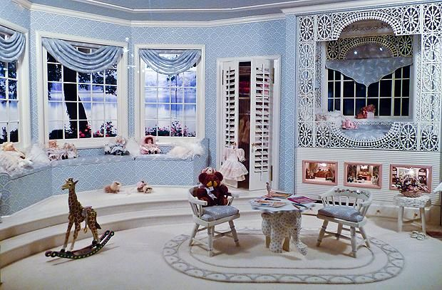 16 Intricate Miniature Rooms | Mental Floss. Look carefully.. the miniature has three even tinier miniature scenes inside.