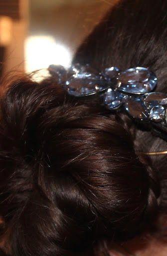 Come fare uno chignon basso ed elegante da portare tutti i giorni o in occasioni particolari?#Videotutorial..http://www.donnesulweb.it/bellezza/capelli/capelli-tutorial-cignon-basso-elegante.php