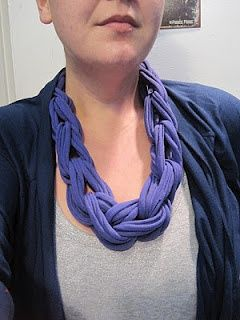 recycled t-shirt necklaces. diy-scarfs