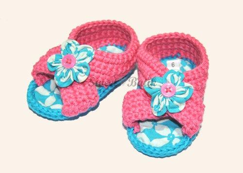 Pre walker crochet batik girl shoes by Sweet Batik Indonesia.