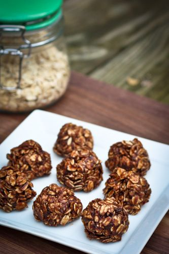 Healthy No Bake Cookies -- No butter, less sugar #vegan