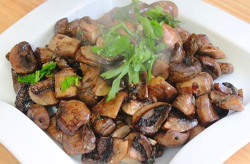 Roasted Mushrooms with Garlic, Thyme and Balsamic Vinegar | Recipe ...