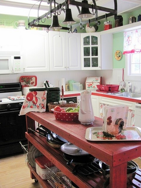 workbench painted red: Beautiful Kitchens, Islands Projects, Kitchens Ideas, Kitchens Islands, Country Kitchens, Households Ideas, Islands Ideas, Vintage Inspiration, Christmas Ideas