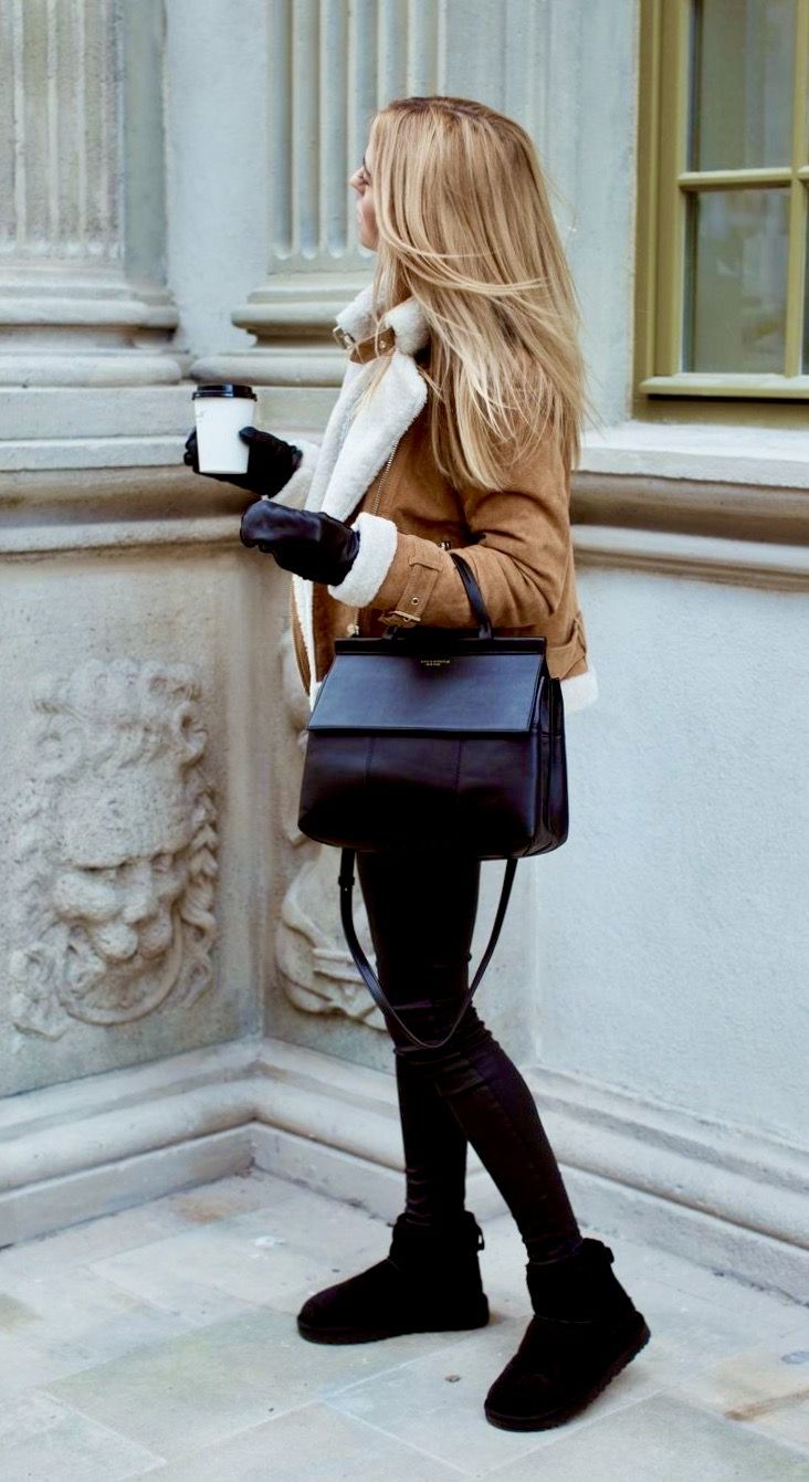 Pin By Andee Arrivas On I D Wear It Bailey Bow Uggs Winter Fashion Outfits Uggs Outfit