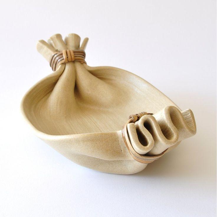 Schale Tablett aus Keramik beige Promkhiri