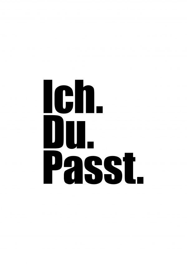 Passt. | Typografie | Echte Postkarten online versenden | MyPostcard.com